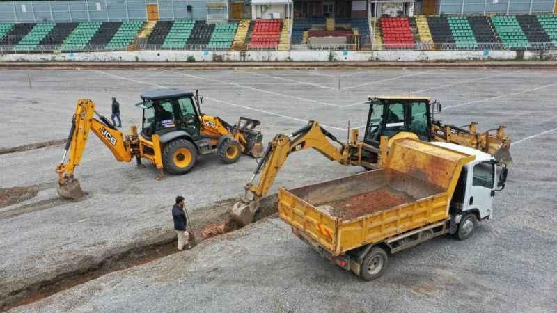 Derince Belediyespor stadı yenileniyor