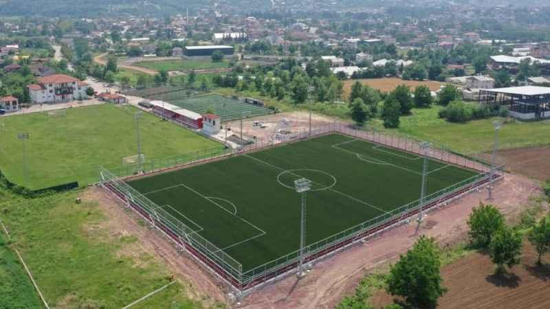 FIFA standartlarında futbol sahası