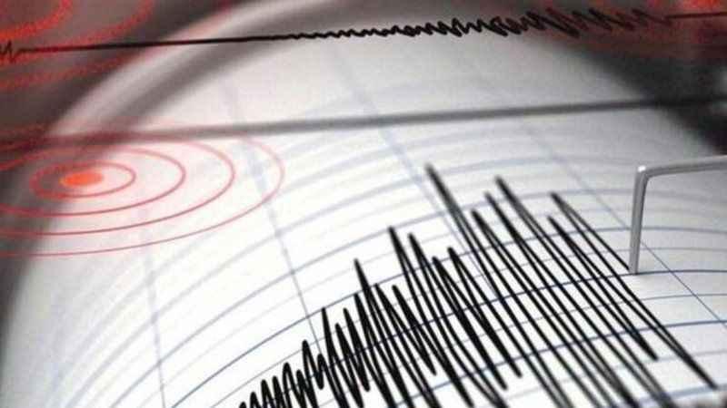 Tatil beldesinde yine deprem!