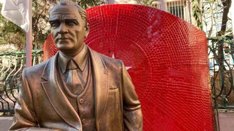 Atatürk'ün manevi şahsiyetine hakarettir!