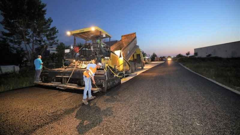 Başiskele gece gündüz asfalt döküyor