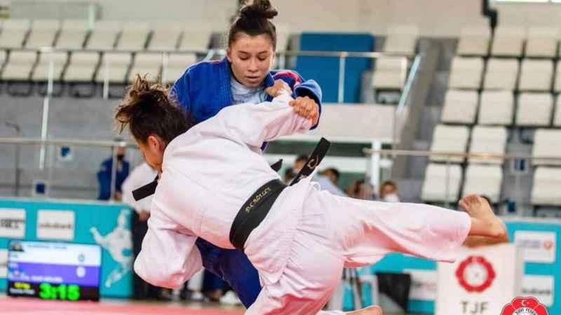 Kağıtsporlu Judoculardan tarihi başarı