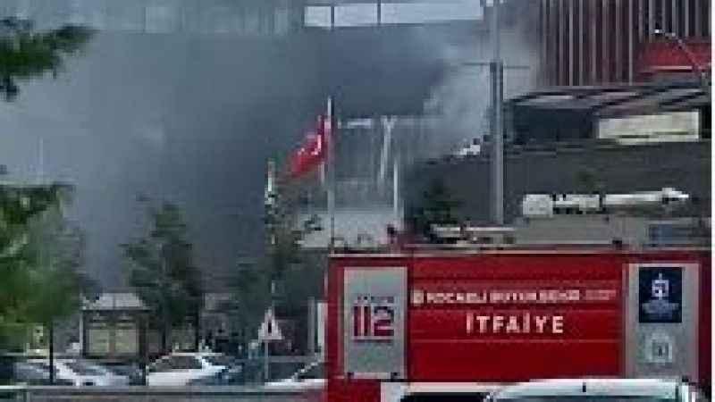 41 burda AVM'de yangın paniği. İşte görüntüler