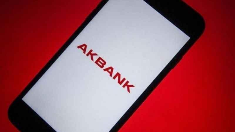 Akbank'taki 2 günlük krizin ardından müşterilere flaş SMS