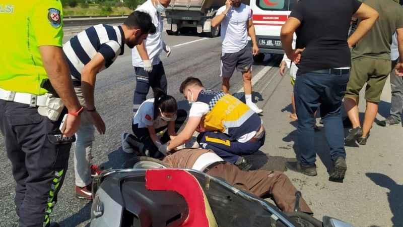 Motosikletin hakimiyetini kaybedince yaralandı