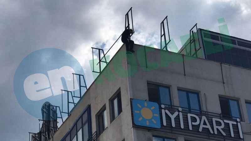 Bakanın geleceği güzergahta intihar girişimi
