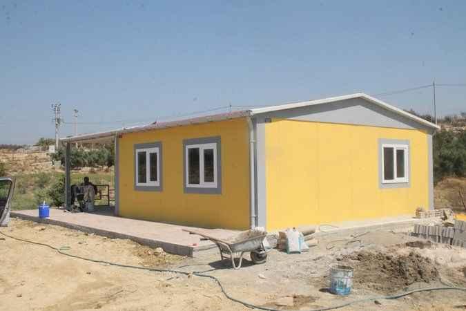 Gölcüklü Demet Akalın'ın söz verdiği evin yapımı tamamlandı