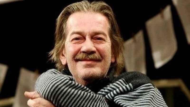 Usta tiyatrocu Ferhan Şensoy hayatını kaybetti