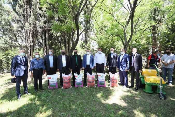 Büyükşehir'den 2 bin 700 çiftçiye tohum desteği