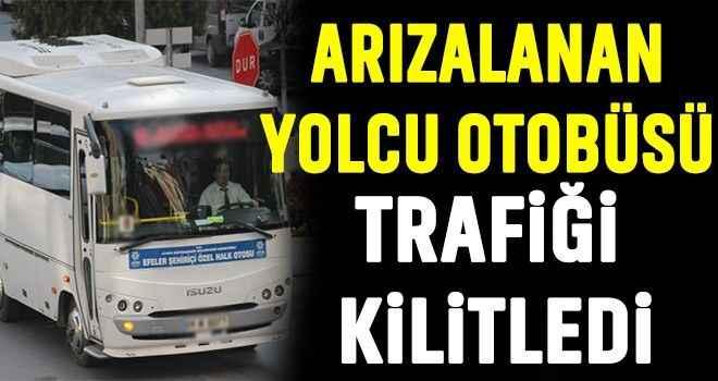 Arızalanan yolcu otobüsü trafiği kilitledi