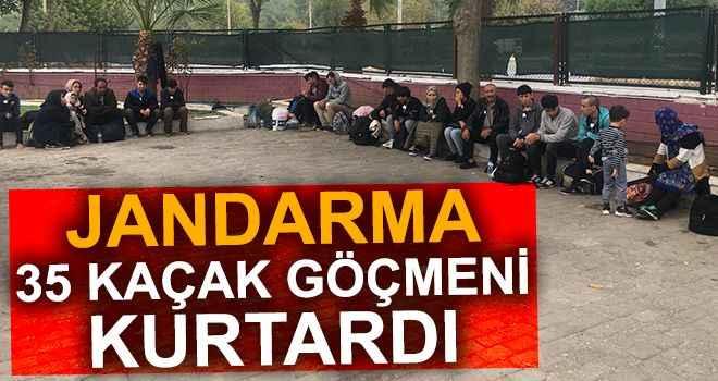 Jandarma 35 kaçak göçmeni kurtardı