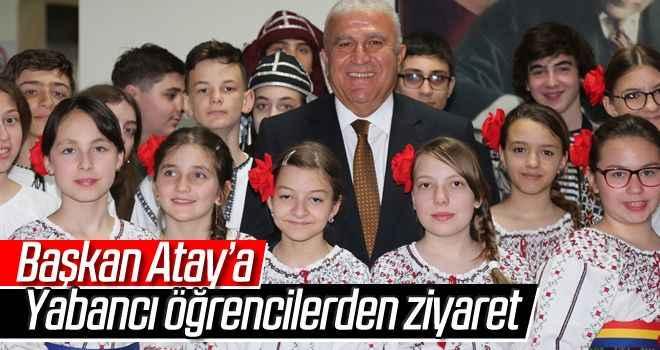 Başkan Atay'a yabancı öğrencilerden ziyaret