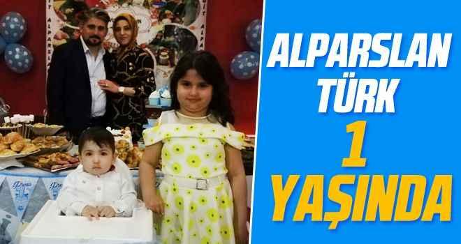 Alparslan Türk 1 yaşında