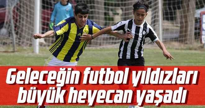 Geleceğin futbol yıldızları büyük heyecan yaşadı