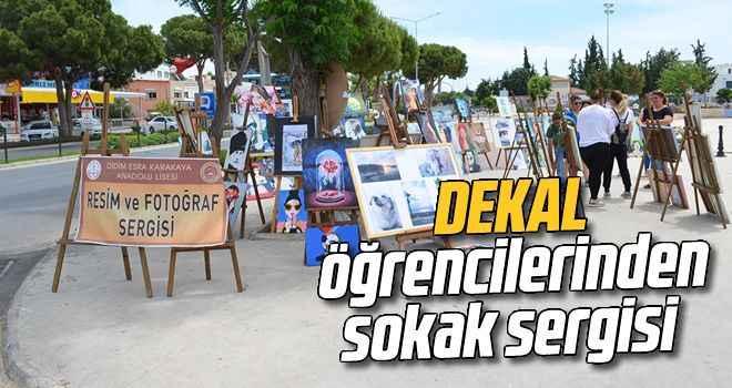 DEKAL öğrencilerinden sokak sergisi