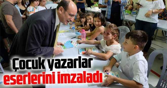 Çocuk yazarlar eserlerini imzaladı