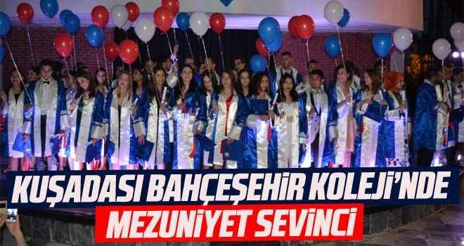 Kuşadası Bahçeşehir Koleji'nde mezuniyet sevinci