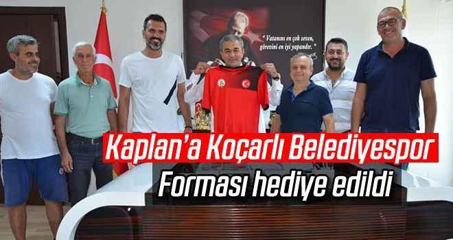 Kaplan'a Koçarlı Belediyespor forması hediye edildi