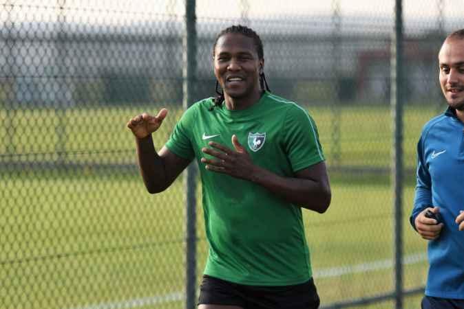 Denizlispor'un yeni transferi Rodallega, kampa katıldı