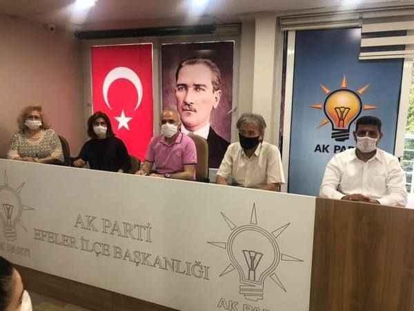 AK Parti Efeler'den sosyal mesafeli toplantı