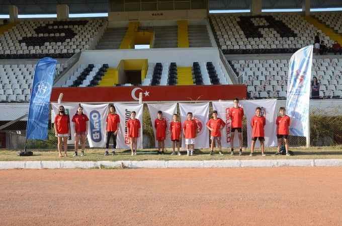 Kuşadası Belediyespor triatlon takımından büyük başarı