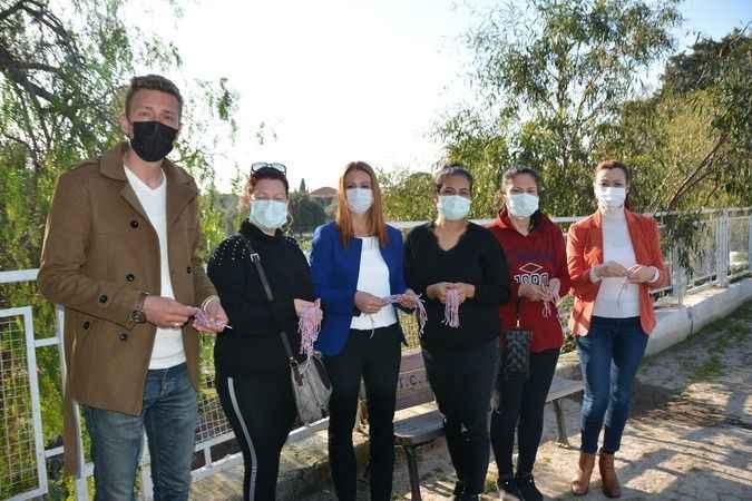 Didim'in geleneksel Mart bileklikleri örülmeye başlandı
