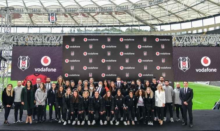 Beşiktaş-Vodafone işbirliği, kadın futbol takımı sponsorluğuyla devam edecek