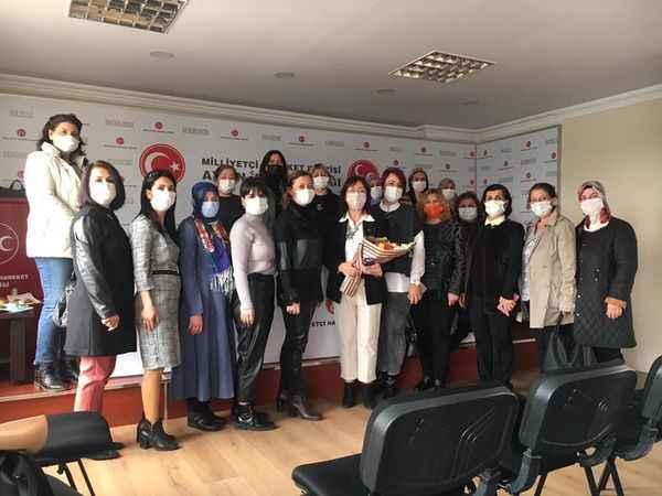 AK kadınlardan MHP'ye ziyaret