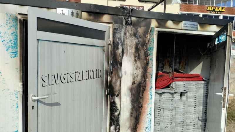 Engelliler derneğine ait konteynerdeki yangın korkuttu