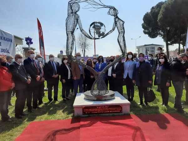 Aydın'da 'Eşitlik' heykeli törenle açıldı