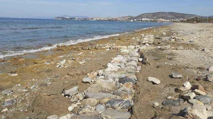 Denizin suları çekildi, tarihi yapılar ortaya çıktı