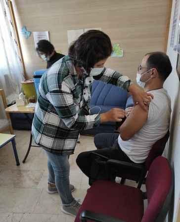 Aydın'da öğretmenlere aşı yapılmaya başlandı