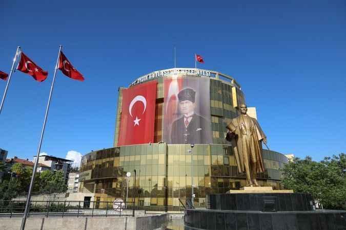 Başkan Çerçioğlu'ndan amatör futbolculara destek