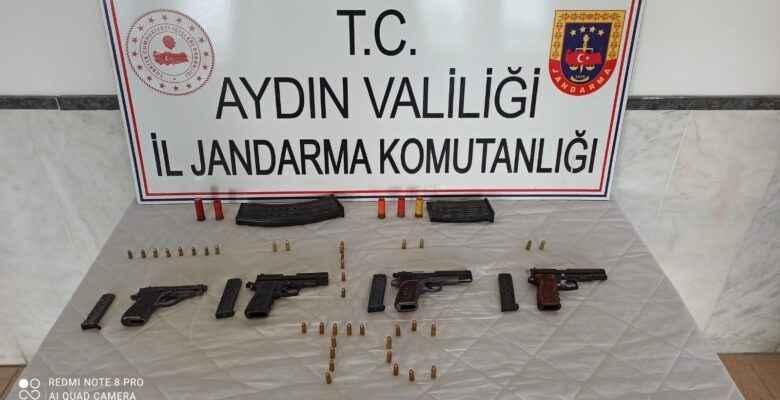 Köfteci silah satarken yakalandı