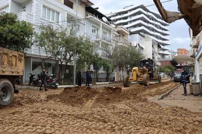 Nazilli'de merkez yollar yenileniyor