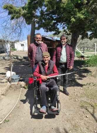 Engelliler Derneği, engelli vatandaşın yüzünü güldürdü