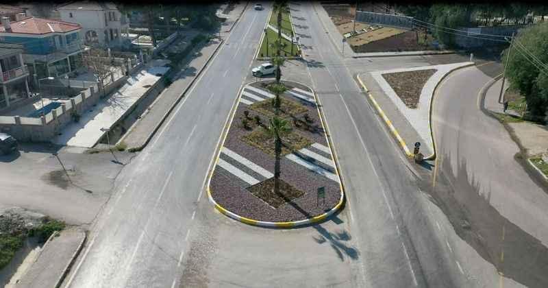 Kuşadası'nda çevre yolu peyzaj düzenlemesi dikkat çekiyor