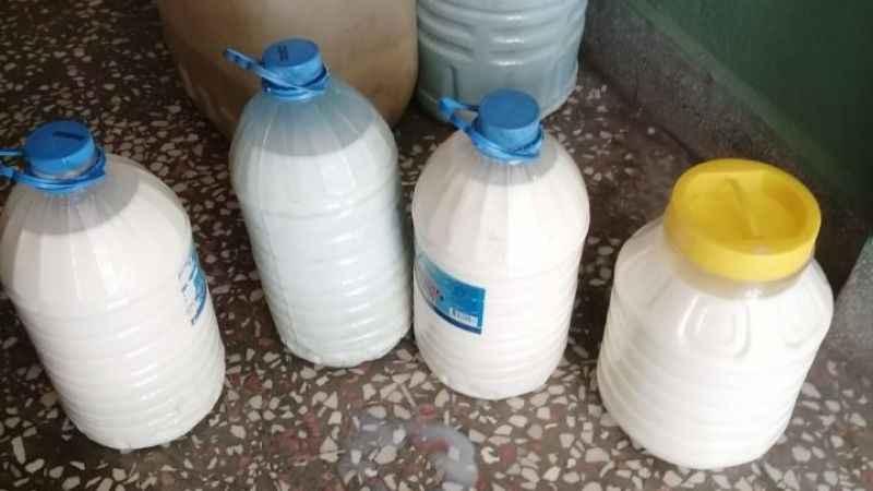 İYİ Parti Çine Teşkilatı, üreticiden süt alıp vatandaşa ücretsiz dağıttı