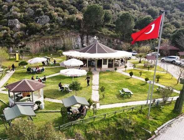 Koçarlı'da belediye sosyal tesisleri açıldı