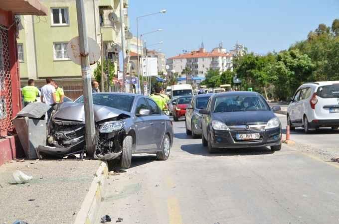 Söke'de direğe çarpan otomobilin sürücüsü yaralandı