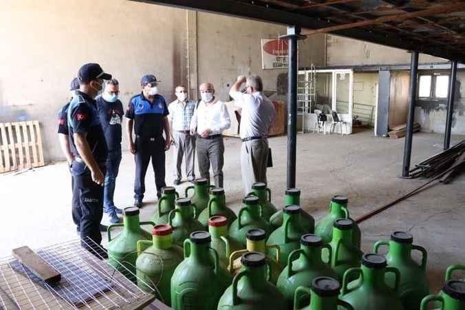 Nazilli'de zabıta ekipleri 1150 litre kaçak yağ ele geçirdi