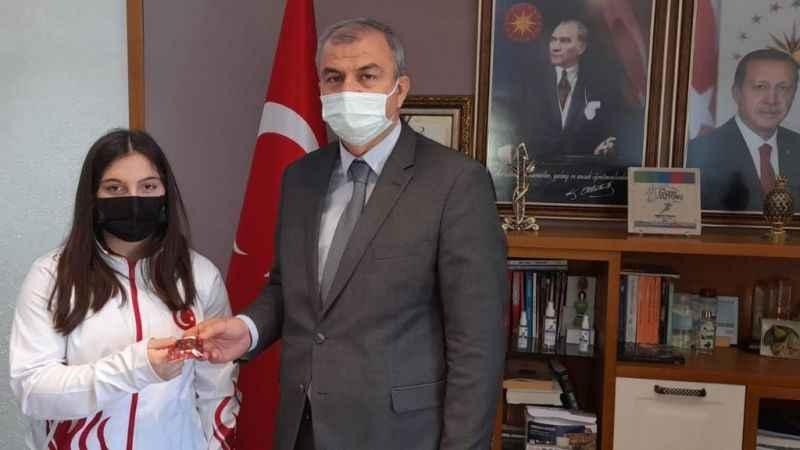 Aydınlı Burcu'dan halterde Avrupa ve Türkiye rekoru
