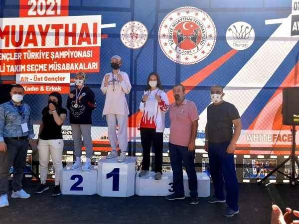 Beyza'dan Türkiye üçüncülüğü