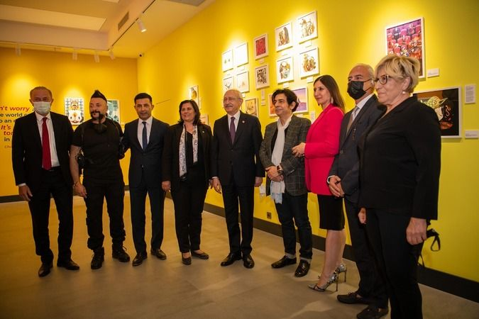 Kılıçdaroğlu, Ada Sanat Galerisini açtı