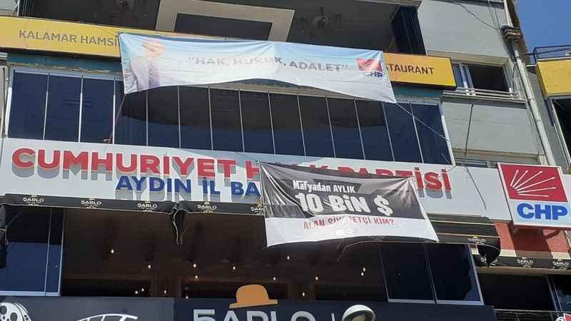 CHP'den 'Mafyadan aylık 10 bin dolar alan siyasetçi kim?' pankartı