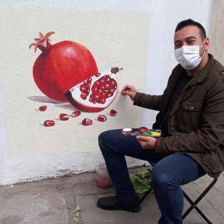 Kent estetiği ve sağlık için duvarlara resim çiziyor
