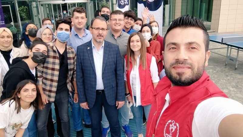 Bakan Kasapoğlu, Aydınlı gençleri ağırladı
