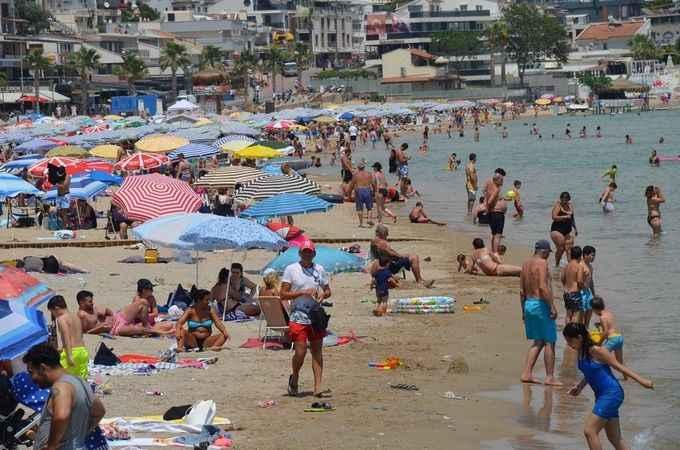 Didim'deki plajlarda yoğunluk başladı