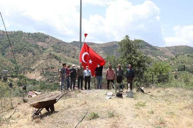 Nazilli'de dağlar bayraklarla süsleniyor