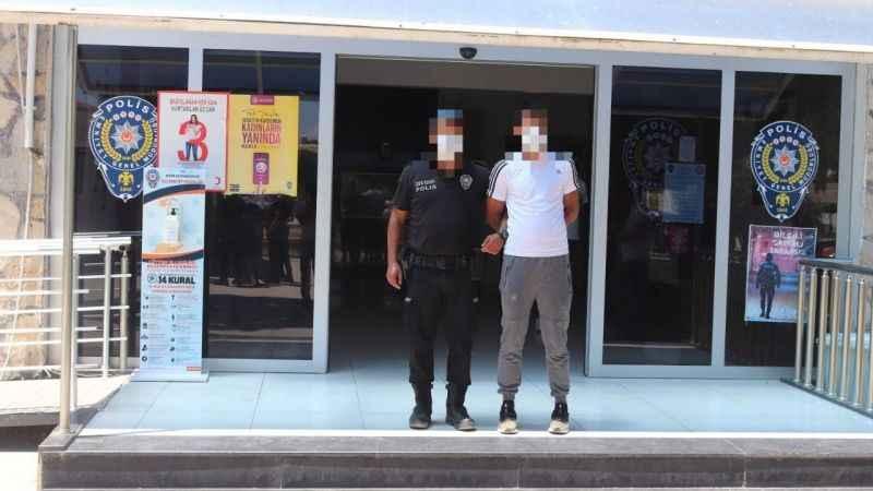 Hırsızlar bekçilere takıldı